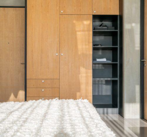 luxury-interior-design-wardrobe-bedroom-bed_41487-399